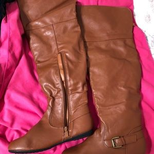 Brand new leather boot